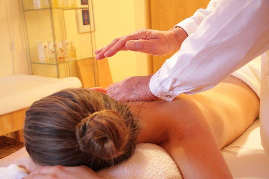 Massage bei Muskelkrämpfen